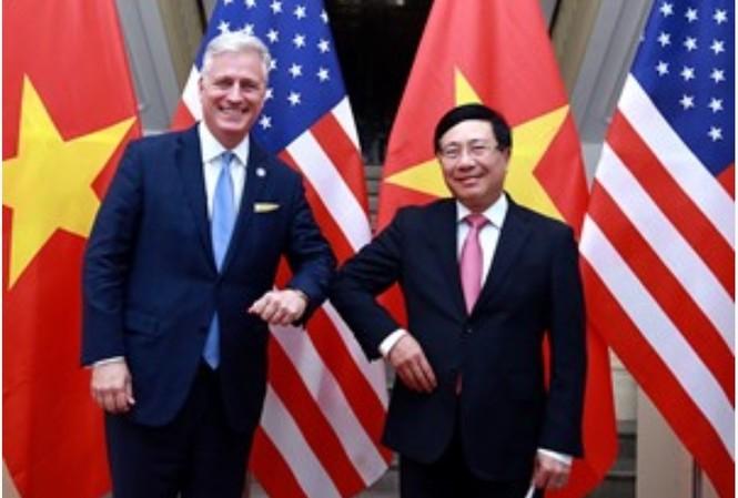 Phó Thủ tướng, Bộ trưởng Ngoại giao Phạm Bình Minh và Cố vấn An ninh quốc gia Hoa Kỳ Robert O'Brien. Ảnh VGP/Hải Minh
