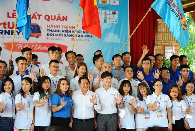 """Lễ xuất quân """"Hành trình thanh niên khởi nghiệp đổi mới sáng tạo"""" tại huyện Tịnh Biên, An Giang, ngày 10/10"""