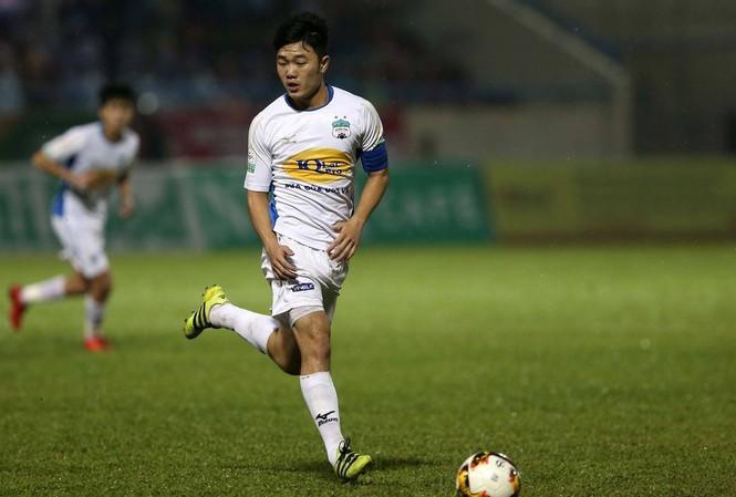 HLV Hàn Quốc nói gì về phong độ của Xuân Trường tại V-League?