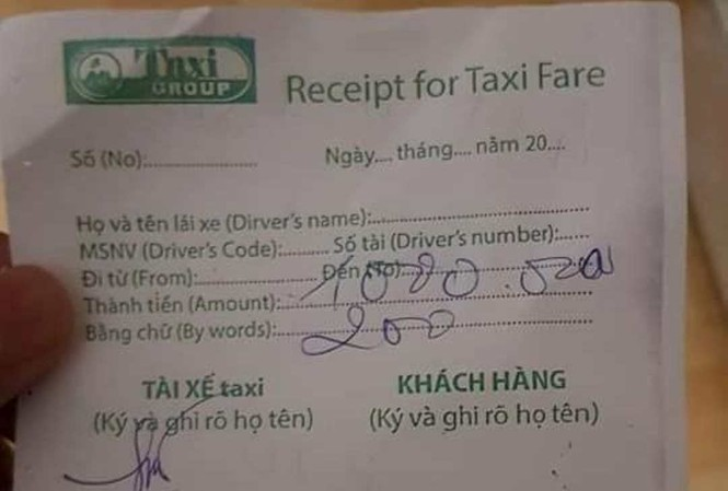 Tài xế taxi thu 1,2 triệu đồng của hành khách.