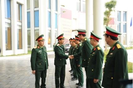 Trung tướng Phan Văn Giang gặp gỡ các cán bộ, chỉ huy Trung tâm VNMAC.
