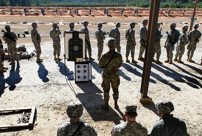 Tai nạn tại trại huấn luyện, 8 binh sĩ Mỹ thương vong