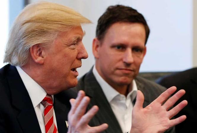 Tổng thống Mỹ Donald Trump và ông Peter Thiel. Ảnh: Reuters