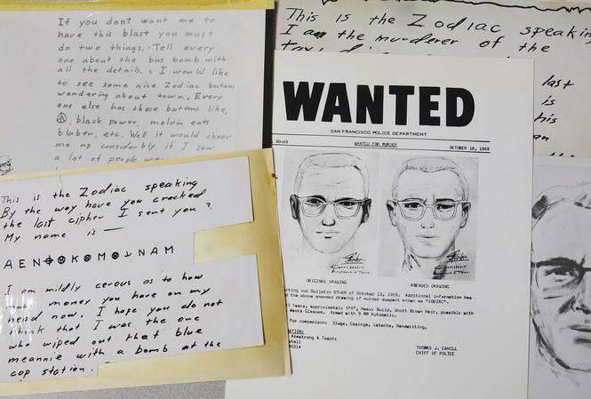 Phác họa chân dung sát nhân hàng loạt Zodiac và một số bức thư của hắn. Nguồn: NBC News.