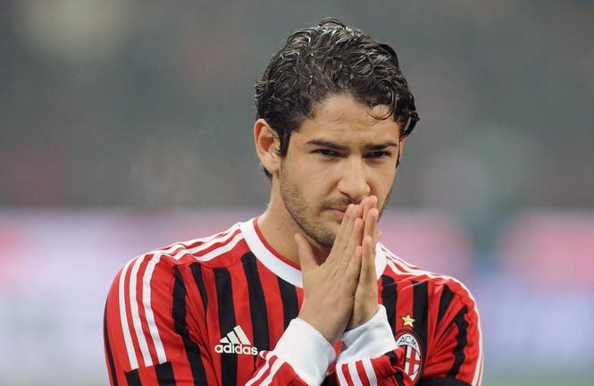 Gia nhập Chelsea, Pato nhận mức lương bèo bọt.