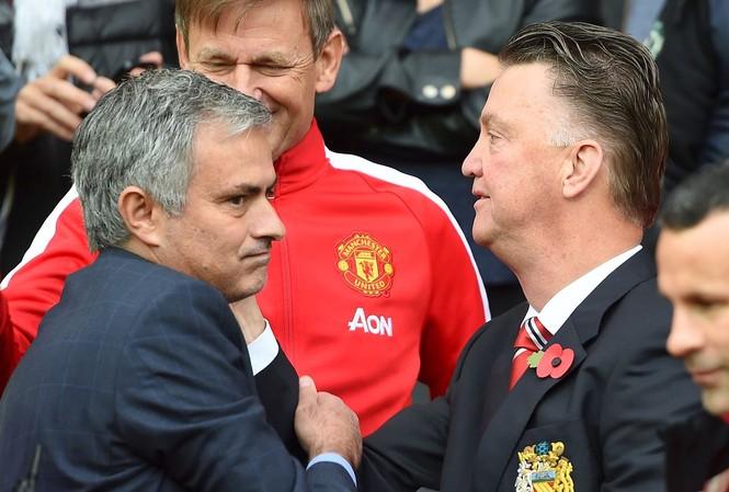 """Van gaal không tin Mourinho có thể """"lấy ghế"""" của mình."""