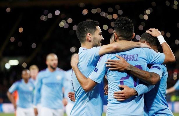 Niềm vui của các cầu thủ Man City.