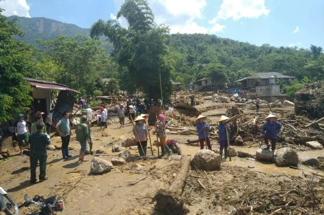 Toàn cảnh bán Tủ, xã Sơn Lương, huyện Văn Chấn, Yên Bái sau trận lũ