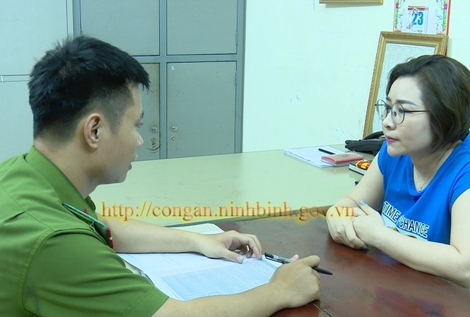 Hoàng Thị Kim Hoa khai nhận chính là đối tượng đang bị truy nã - Ảnh: Công an tỉnh Ninh Bình cung cấp