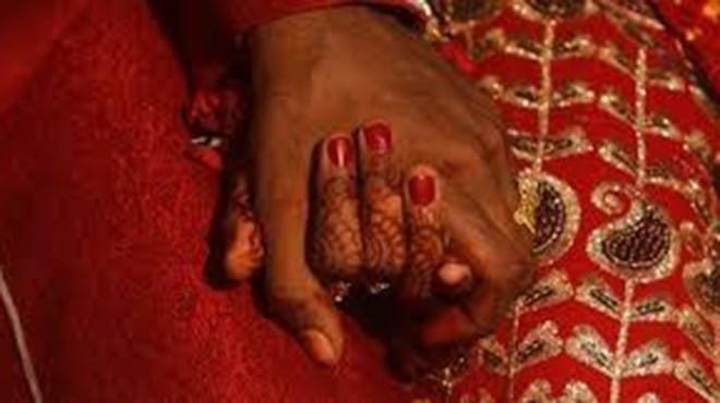 Theo truyền thống tại nhiều nơi ở Pakistan, một người phụ nữ tự lựa chọn tình yêu là hành vi sỉ nhục gia đình. Ảnh: alarabiya.net