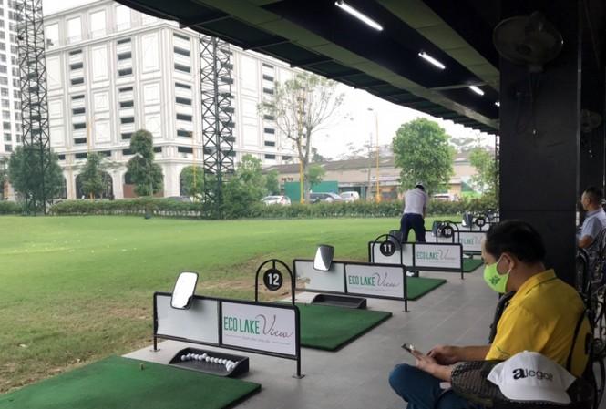 Sân tập golf Eco Golf Club 32 Đại Từ (phường Đại Kim) ngang nhiên hoạt động giữa mùa dịch COVID-19.