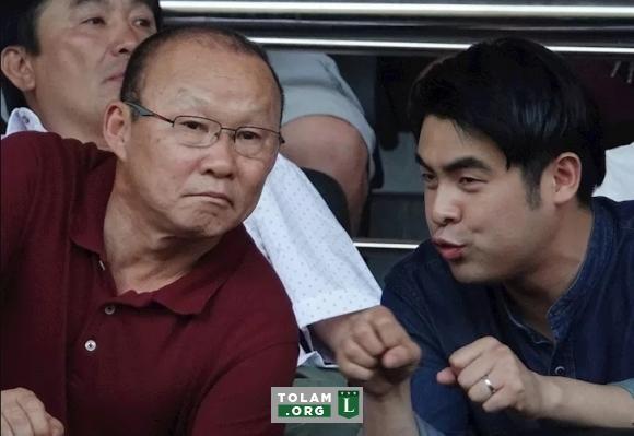 HLV Park Hang Seo và người đại diện Lee Dong-jun có lý do để không cần vội vàng đàm phán với VFF.