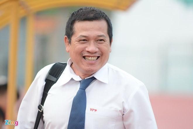 Trưởng ban Trọng tài VFF Dương Văn Hiền rất buồn vì cấp dưới để xảy ra sai sót.