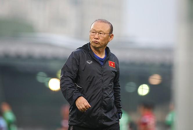 HLV Park Hang Seo loại 3 cầu thủ trước khi sang Thái Lan