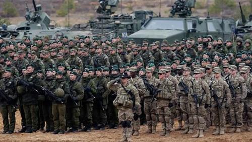 Binh lính NATO tham gia một cuộc tập trận tại Đông Âu. Ảnh: PressTV