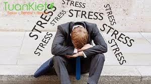 Vì sao cắn móng tay, sâu răng, đau cơ cũng báo hiệu bạn bị stress?