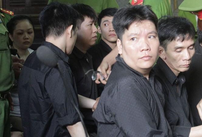 Các bị cáo tại tòa. Ảnh: Tân Châu