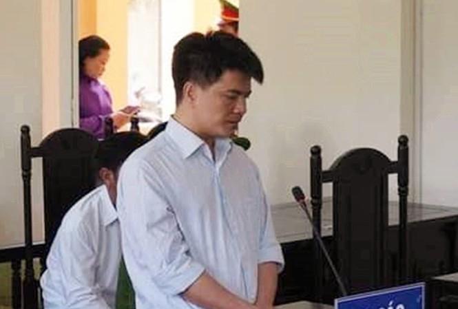 Bị cáo Phạm Thành Hiếu - người lái xe container gây tai nạn khiến 29 người thương vong - tại phiên tòa.