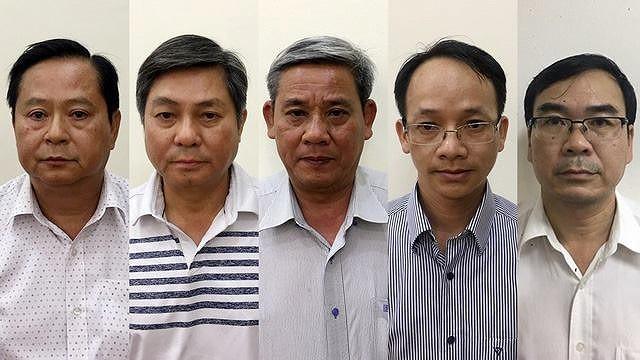 (Từ trái sang) Các bị can Nguyễn Hữu Tín, Đào Anh Kiệt, Lê Văn Thanh, Nguyễn Thanh Chương, Trương Văn Út. Ảnh: CTTĐT, Bộ CA.