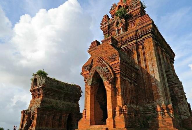 Tuyệt tác tháp cổ Chăm hơn 1.000 năm tuổi ở Bình Định