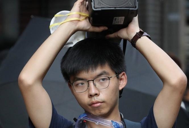 Josua Wong vừa bị bắt. (Ảnh: SCMP)