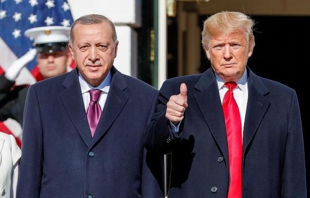 Tổng thống Mỹ Donald Trump đón Tổng thống Thổ Nhĩ Kỳ (bìa trái) tại Nhà Trắng ngày 13/11. (Ảnh: Reuters)