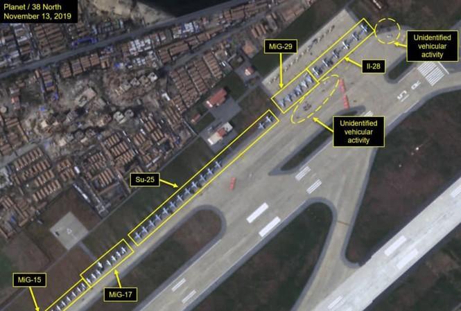 Hình ảnh vệ tinh cho thấy nhiều máy bay quân sự đang tập hợp gần bờ biển của Triều Tiên