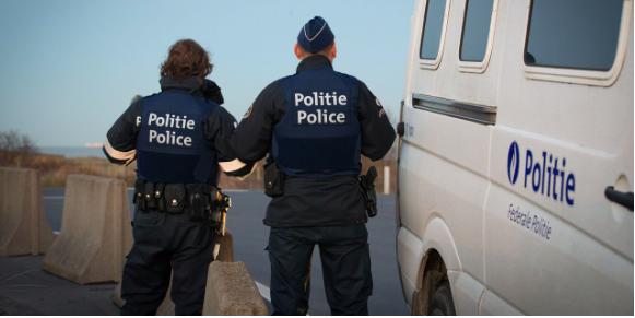 Người đàn ông gốc Việt bị cảnh sát Bỉ phát hiện hỗ trợ người di cư trái phép. (Ảnh: Brussels Times)