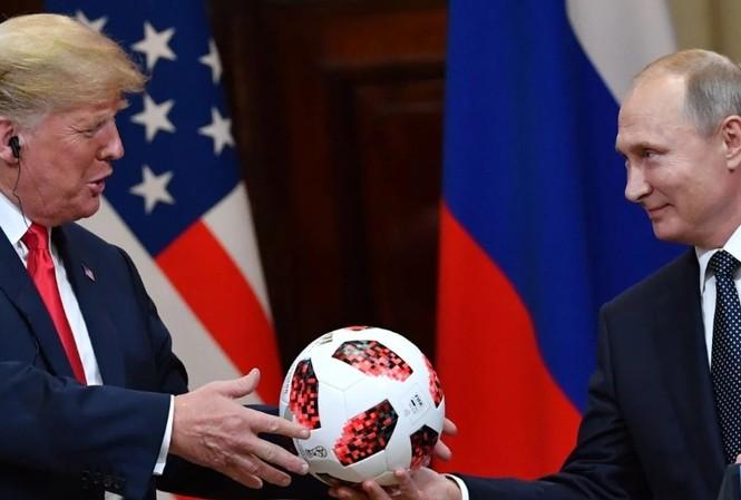 Nhiều người Đức nghĩ ông Trump nguy hiểm hơn ông Putin