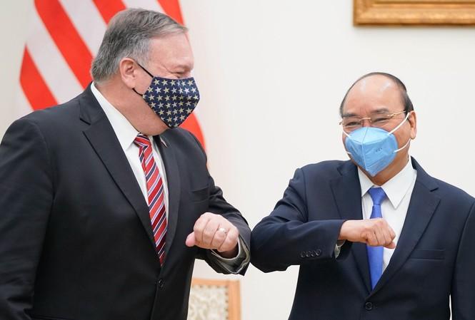 Thủ tướng Nguyễn Xuân Phúc tiếp Ngoại trưởng Mỹ Mike Pompeo. (Ảnh: Quang Hiếu)