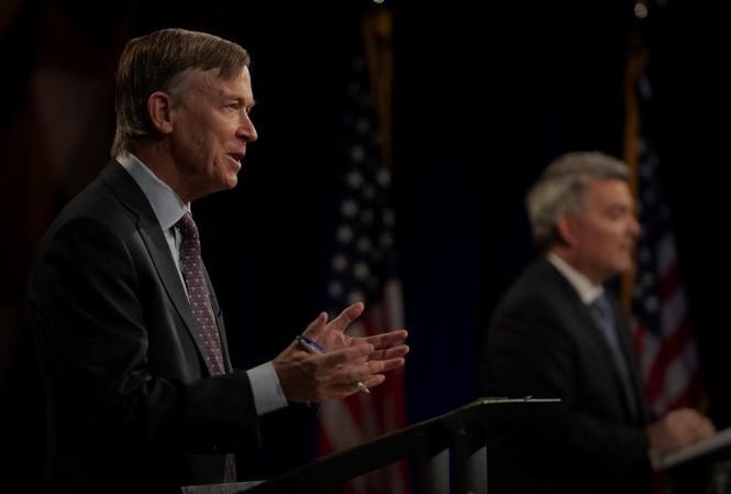 Thượng nghị sĩ Cộng hòa Cory Gardner và cựu Thống đốc Colorado John Hickenlooper. (Ảnh: Reuters)