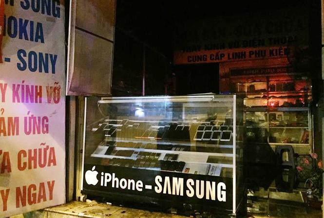 Cửa hàng điện thoại nơi xảy ra sự việc.