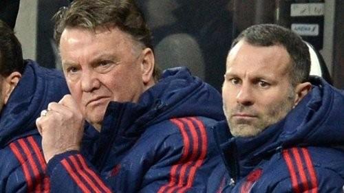 """Van Gaal chịu nhiều sức ép khi ngồi """"ghế nóng"""" M.U"""