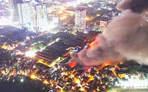 Nguy cơ nhiễm độc thủy ngân ở quanh nhà máy Rạng Đông sau vụ cháy lớn xảy ra chiều 28/8
