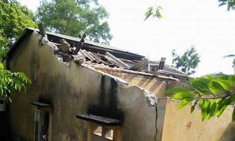 Ngôi nhà bị hư hại hoàn toàn sau vụ nổ khí gas.