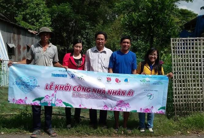 BTC khởi công nhà nhân ái tại gia đình chị Nguyễn Thị Thơ, xã Long Khánh A, huyện Hồng Ngự, Đồng Tháp.