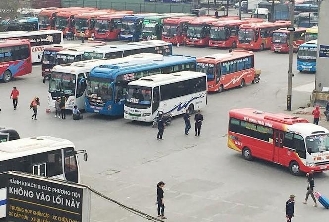 Sở GTVT Hà Nội yêu cầu bến Nước Ngầm từ chối hoạt động 12 xe khách vẫn bỏ bến, trốn lệnh điều chuyển.