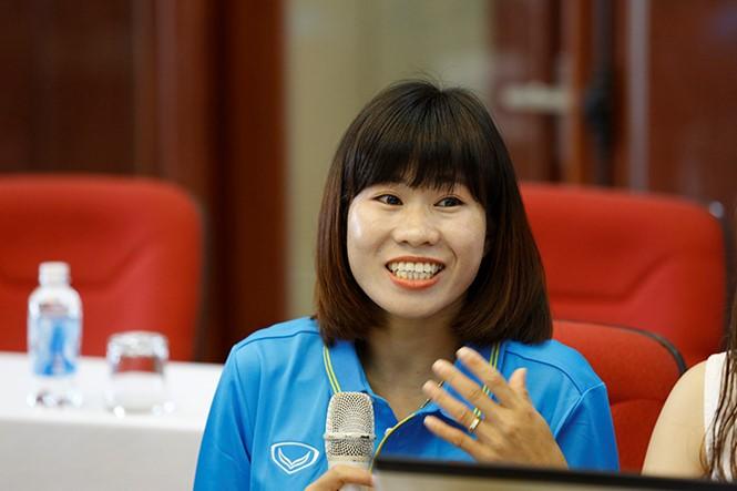 Nữ tuyển thủ Vũ Thị Nhung trong buổi giao lưu trực tuyến với báo Tiền phong sáng 31/8.