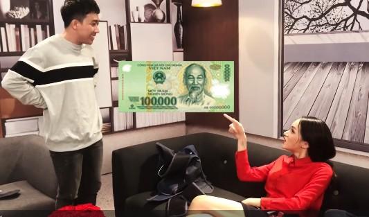 Showbiz 10/5: Clip Trấn Thành đòi tiền Hương Giang Idol gây 'sốt'