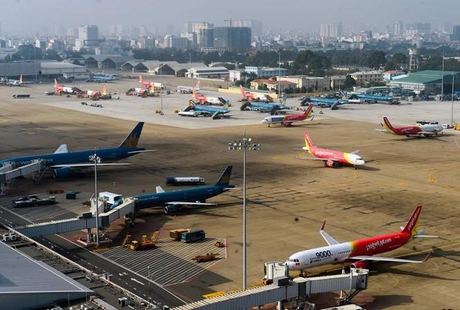 Cơ quan chức năng phát hiện cả flycam, bóng bay ngay sát khu sân bay Tân Sơn Nhất, uy hiếp nghiêm trọng an toàn bay