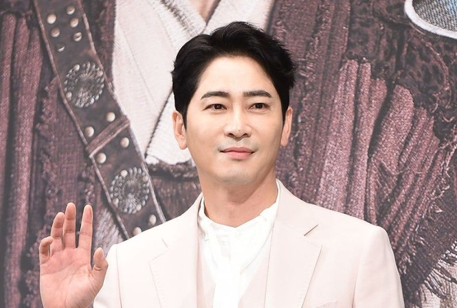 Việc Kang Ji Hwan bị bắt là cú sốc với truyền thông và người hâm mộ Hàn Quốc.