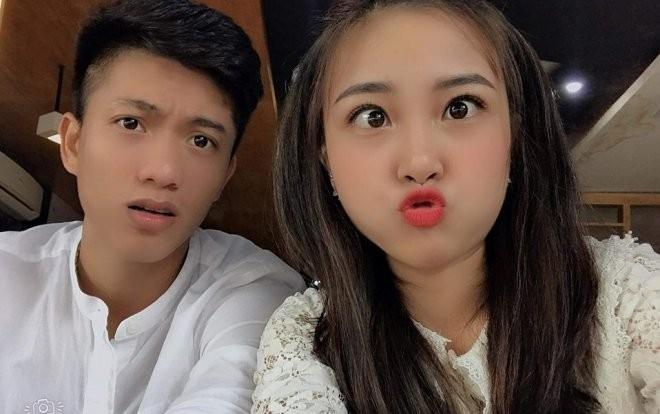 Showbiz 7/11: Phan Văn Đức và bạn gái hotgirl làm đám hỏi vào tháng sau