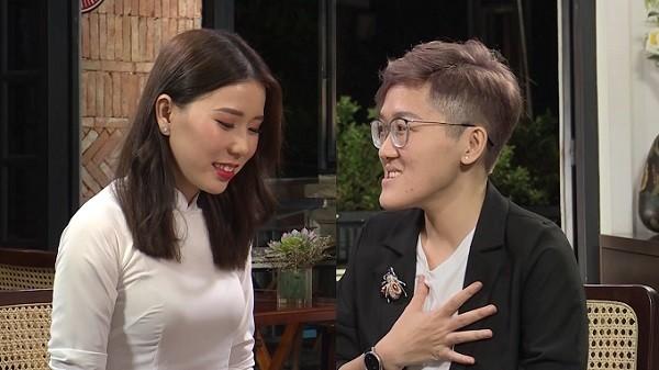 Cặp đôi đồng tính nữ đầu tiên tham gia chương trình 'Hẹn ăn trưa'.