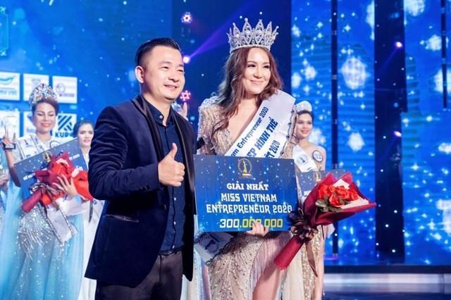 Showbiz 16/1: BTC Hoa hậu doanh nhân sắc đẹp Việt Nam bị phạt 90 triệu đồng