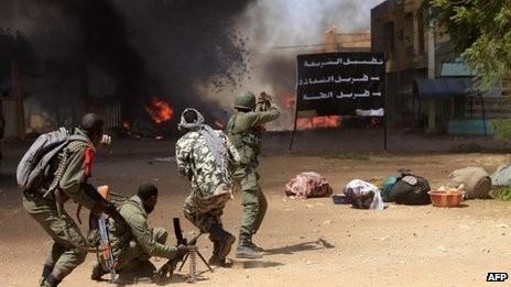 Quân Pháp đối phó với các phần tử Hồi giáo cực đoan