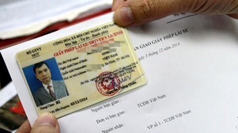 Bộ Giao thông sẽ cấp thêm giấy phép lái xe số tự động. Ảnh minh họa: Bá Đô