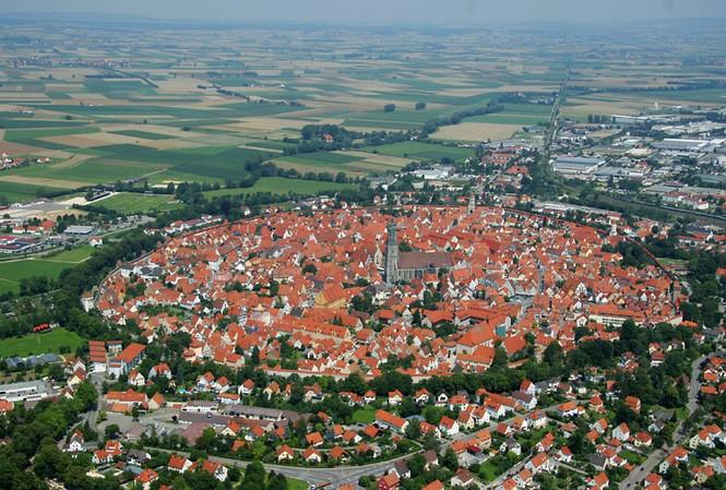 Thị trấn 'vớ bở' vì 72 nghìn tấn kim cương từ trên trời rơi xuống