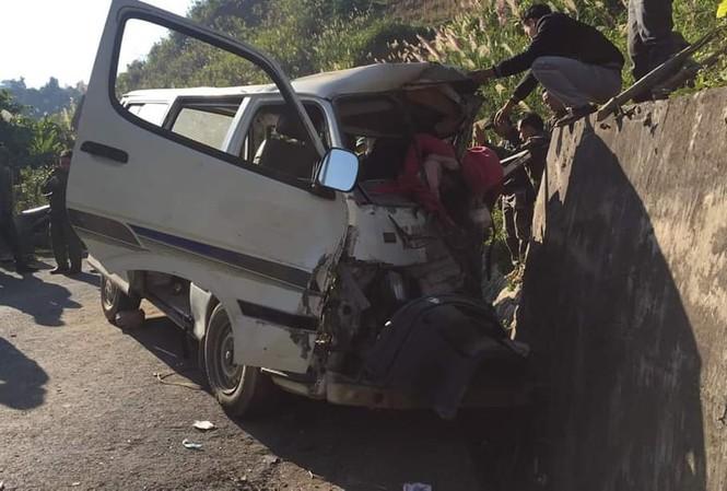Xe chở người khuyết tật bị nạn ở biên giới, 2 người chết, nhiều người bị thương