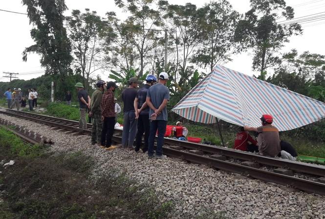 Người phụ nữ bị tàu hỏa đâm tử vong khi trên đường về nhà