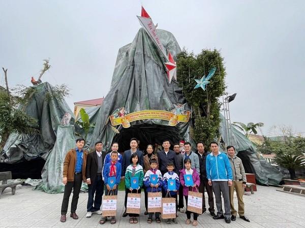 Tỉnh đoàn, Hội LHTN tỉnh Nghệ An chúc mừng các giáo xứ Lễ Giáng sinh 2020